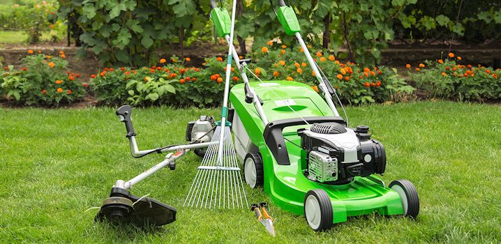 lawn care equipment in La Russell